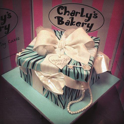 Little bakery empires SHAKE AND BAKE