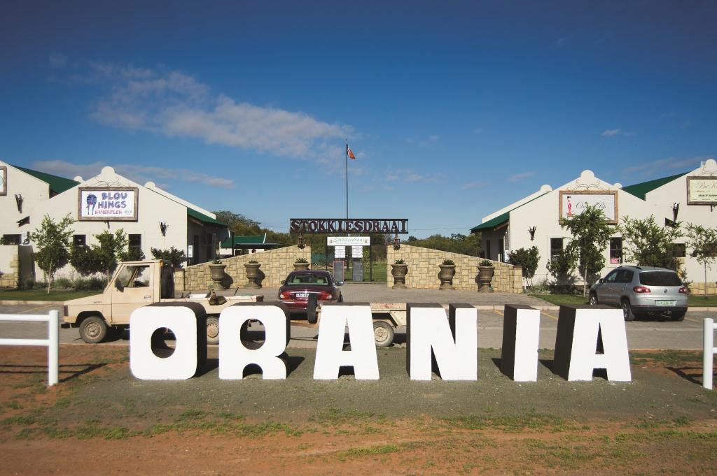 Orania-021
