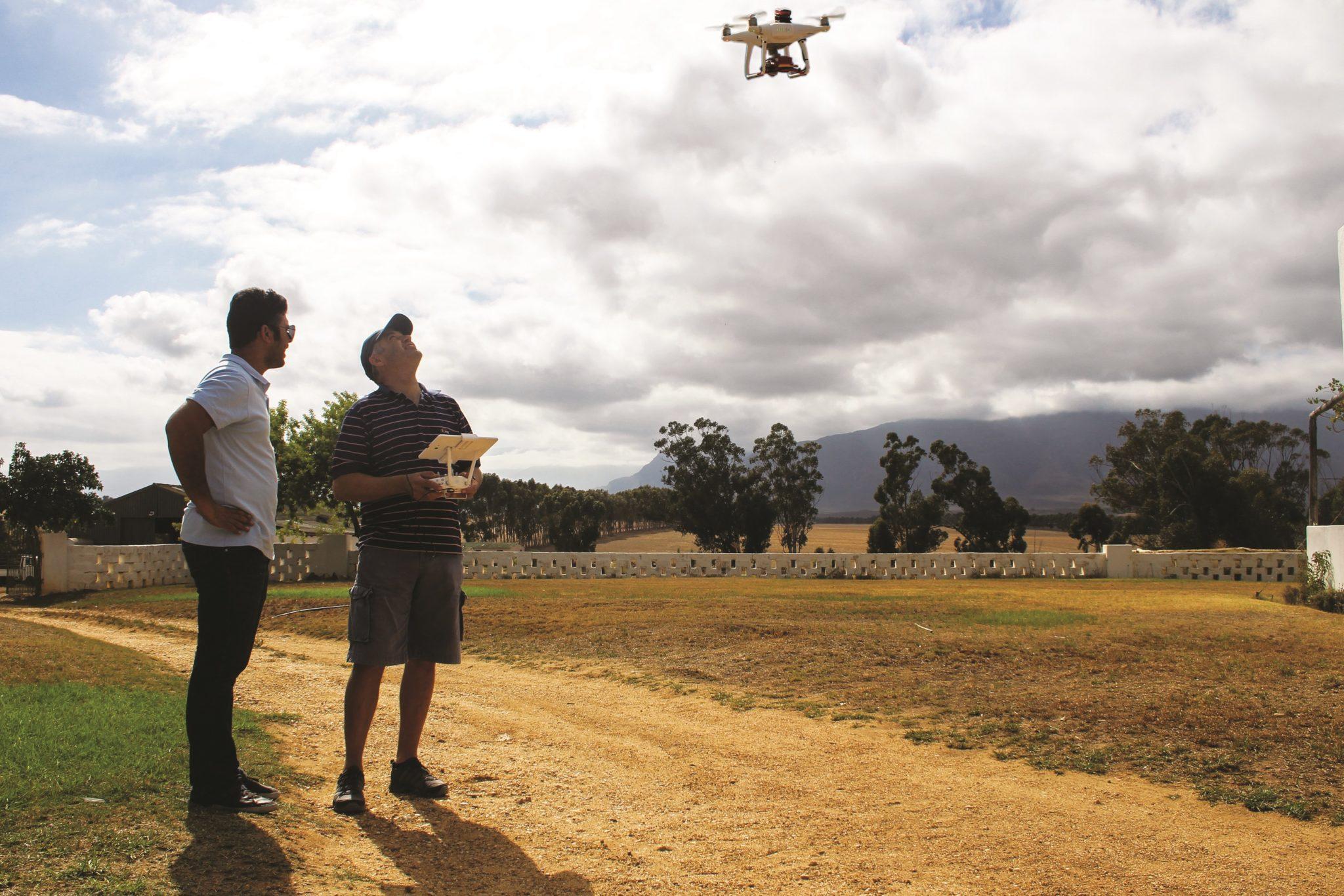 Farmer-flying-a-Phantom-4-Pro-using-the-Aerobotics-Flight-Planner-app