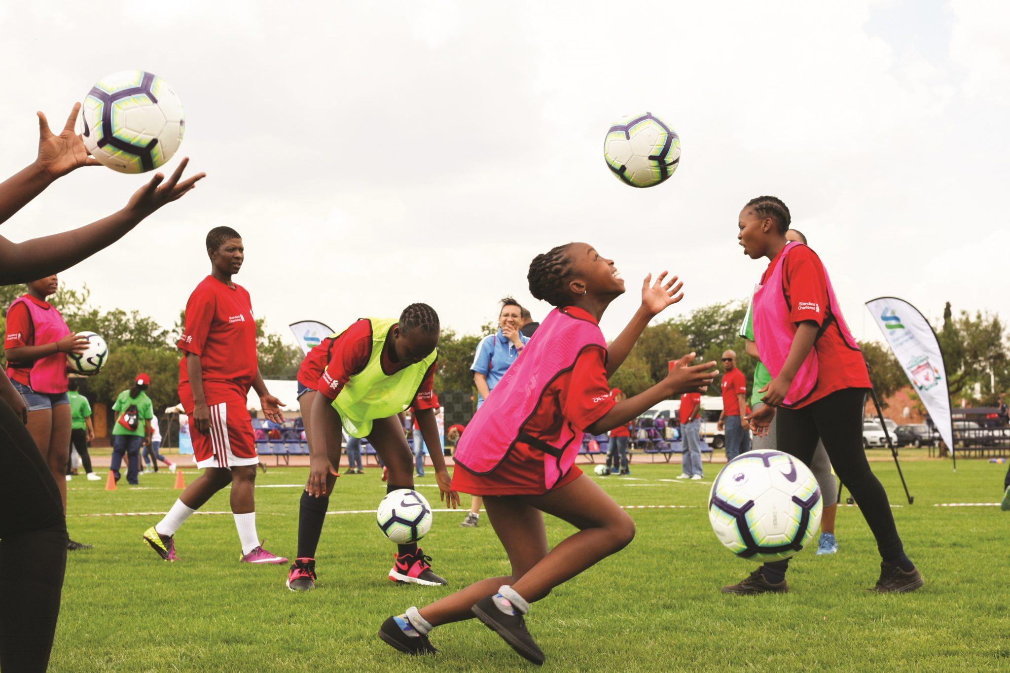SoccerClinicGirls_GL