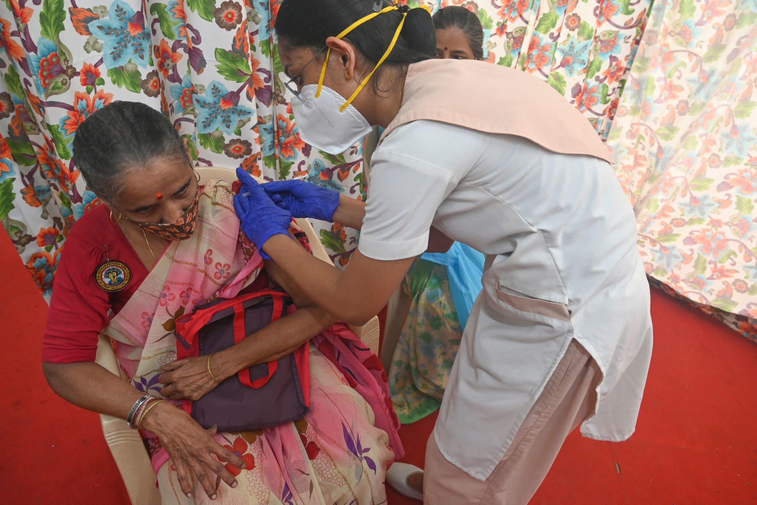 INDIA-HEALTH-VIRUS-VACCINES