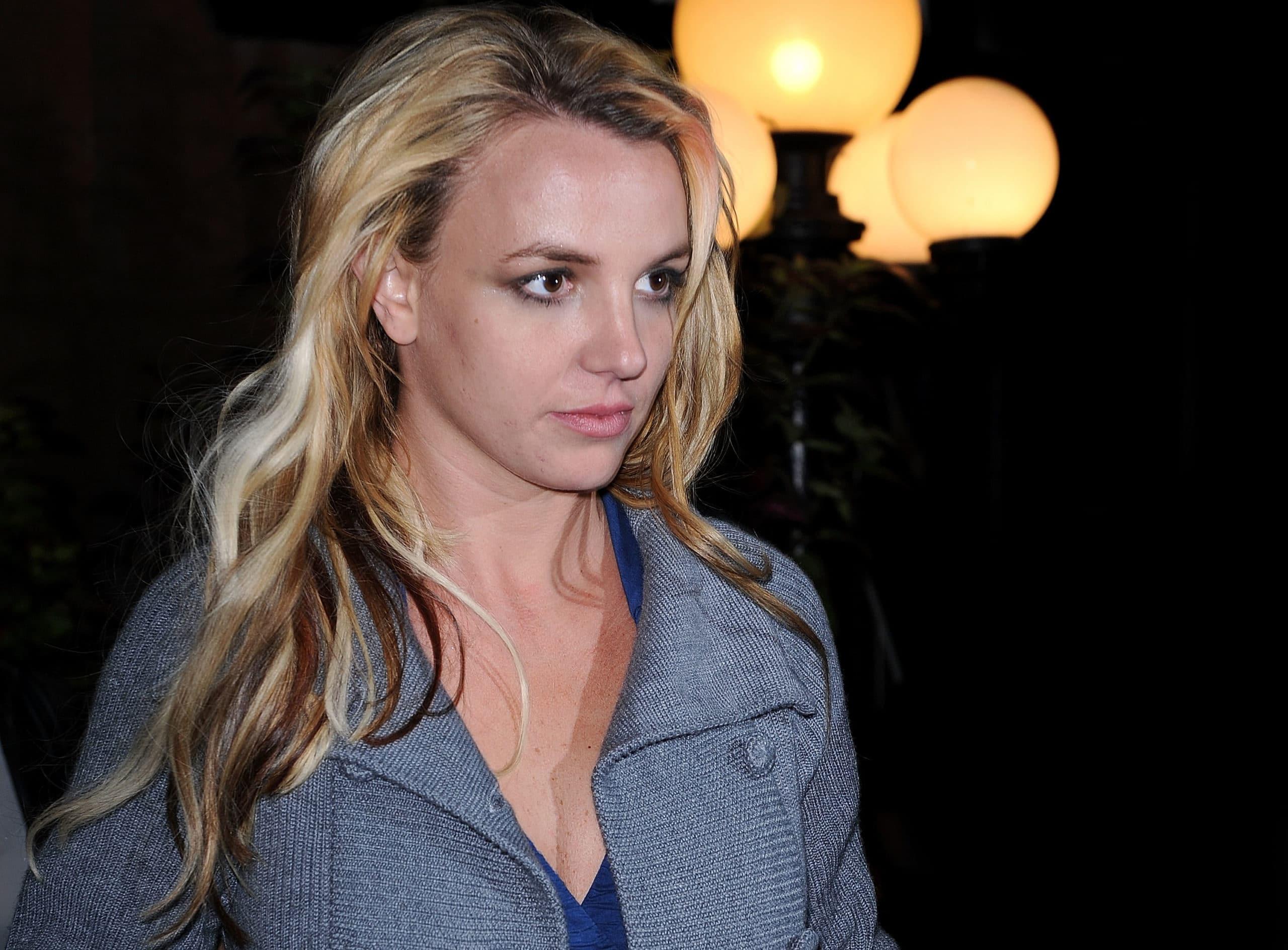 Celebrity Sightings in New York – September 29, 2008